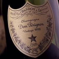 Dom Pérignon Blanc Vintage Magnum in coffret
